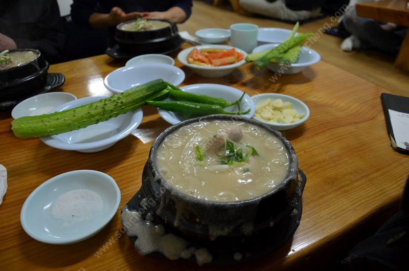 Ho Su SamGyeTang & Side Dishes